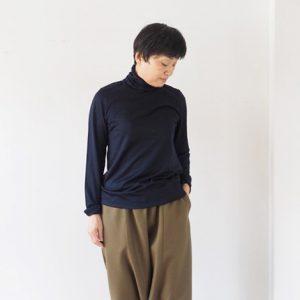 モデル身長153㎝ Sサイズ着用(紺)