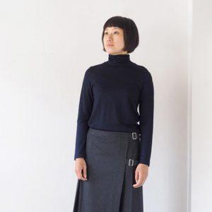 モデル身長166㎝ Mサイズ着用(紺)