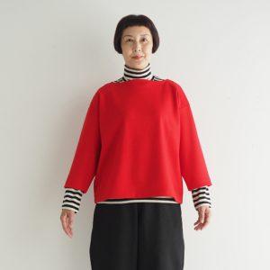 赤 モデル身長163㎝Mサイズ着用