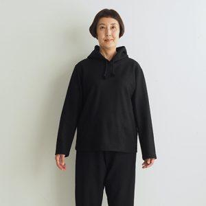 黒 モデル身長163㎝XSサイズ着用