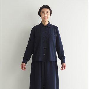 紺 モデル身長163㎝ Mサイズ着用 ※『ギャザーブラウス』とセットアップでセミフォーマルとしても着られます。