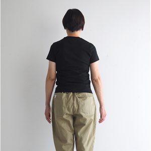 ベージュ・後ろ モデル身長163㎝ XSサイズ着用