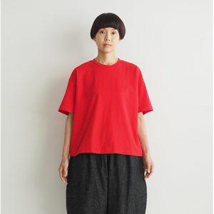 赤 モデル身長164㎝ Mサイズ着用