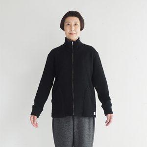 黒杢 モデル身長163㎝ XSサイズ着用