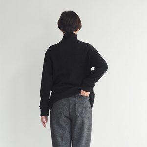 黒杢・後ろ モデル身長163㎝ XSサイズ着用