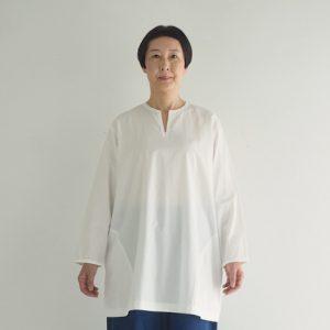 (製品洗い)白 モデル身長163㎝ Mサイズ着用