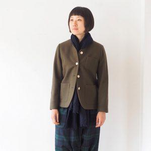 モデル身長166㎝ Mサイズ着用(緑×紺)