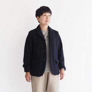 濃紺 モデル身長153cm Sサイズ着用 *袖をひと折りしています。