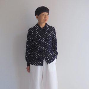紺 モデル身長153㎝ XSサイズ着用