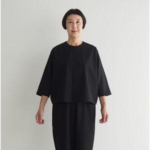 黒 モデル身長163㎝ Mサイズ着用 ※『プルオーバーブラウス』とセットアップでフォーマルウェアとしても着られます。