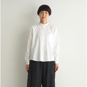 白 モデル身長164㎝ Mサイズ着用