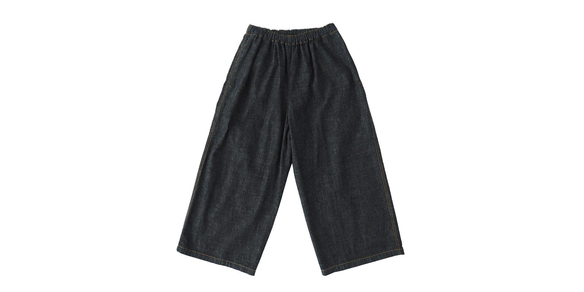 aa.デニムの幅広パンツ