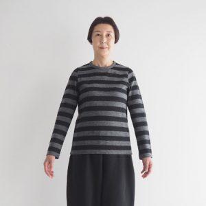 チャコール×黒 モデル身長163㎝ Mサイズ着用
