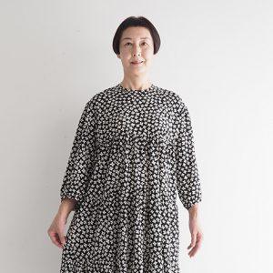 (ハナ)黒 モデル身長163㎝ Fサイズ着用