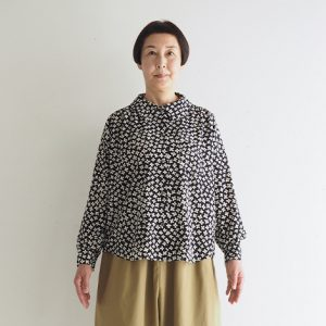 (ハナ)紺 モデル身長163㎝ Mサイズ着用