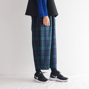 緑×紺 モデル身長164cm Mサイズ着用